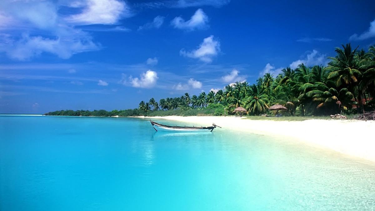 The best beaches in the island Rafina